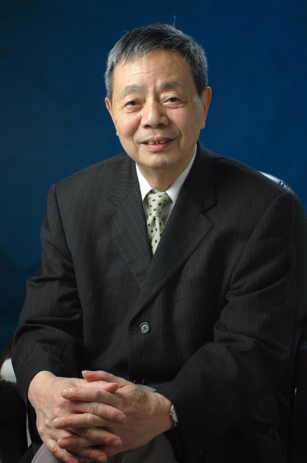 陈星弼(1931.01生)中国科学院院士  微电子专家.jpg